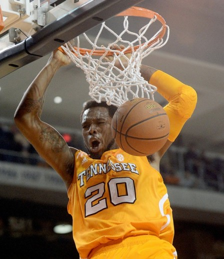 Kenny Hall dunks against Auburn Tuesday night